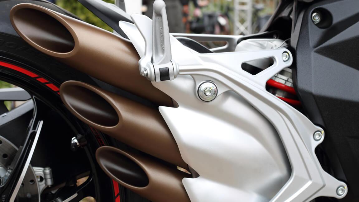 výfuky Bratislava - predaj a servis výfukov - oprava výfukov na motorke